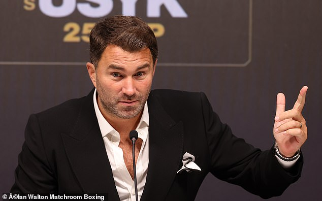 Promoter Eddie Hearn announced that Joshua has activated his clause for the Usyk rematch