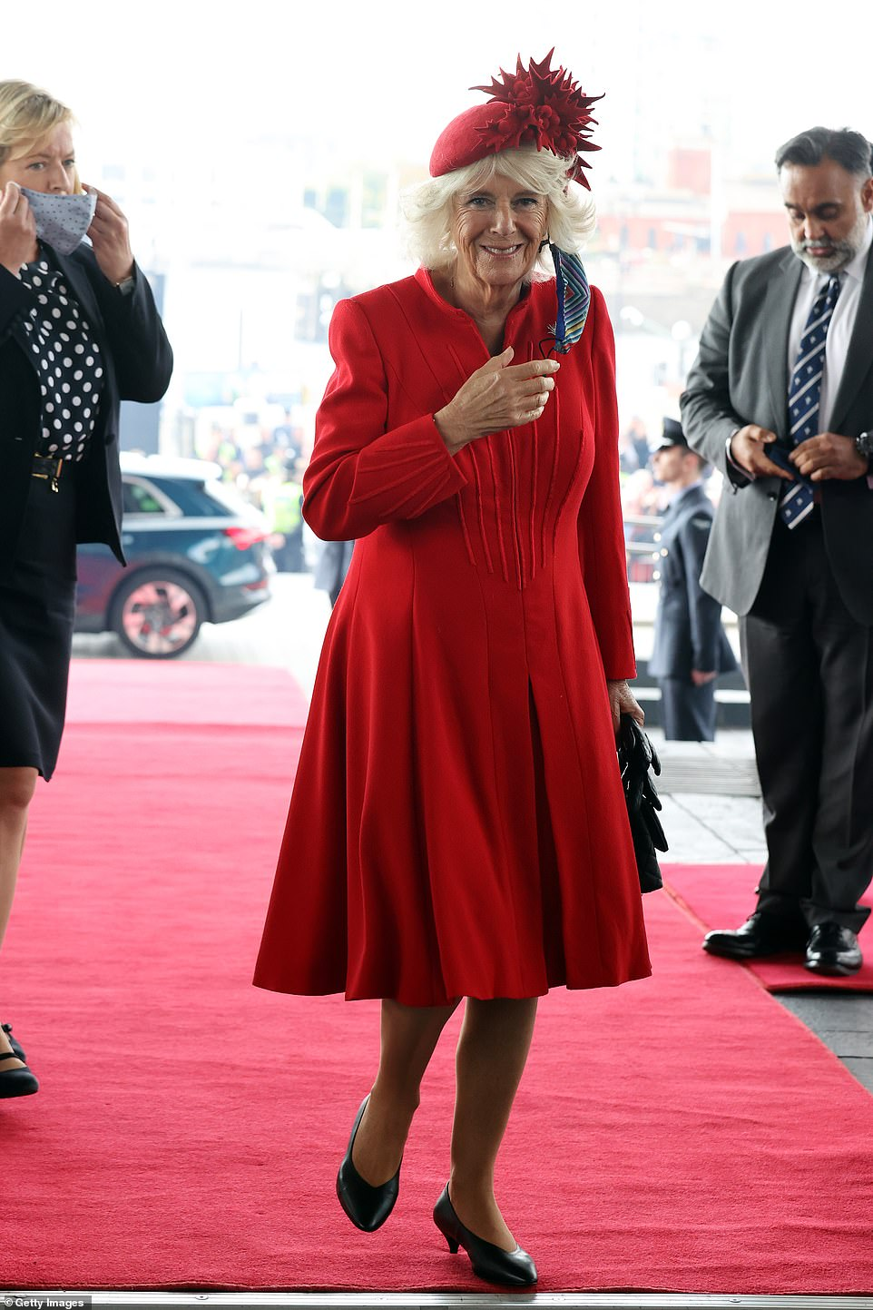 , Queen looks radiant in pink as she steps out with a walking stick again to open Welsh parliament, Nzuchi Times National News