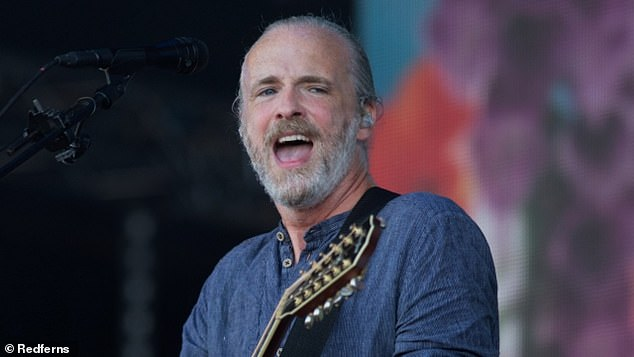 Drama!Fran Healy - star of rock group Travis - has revealed how an attempt to save a sausage dog from a car accident resulted in injury, chaos, and a newfound penchant for firemen