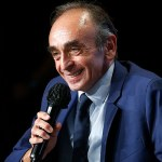 Far-right pundit Eric Zemmour is slammed in France for pointing a SNIPER RIFLE at journalists 💥👩💥