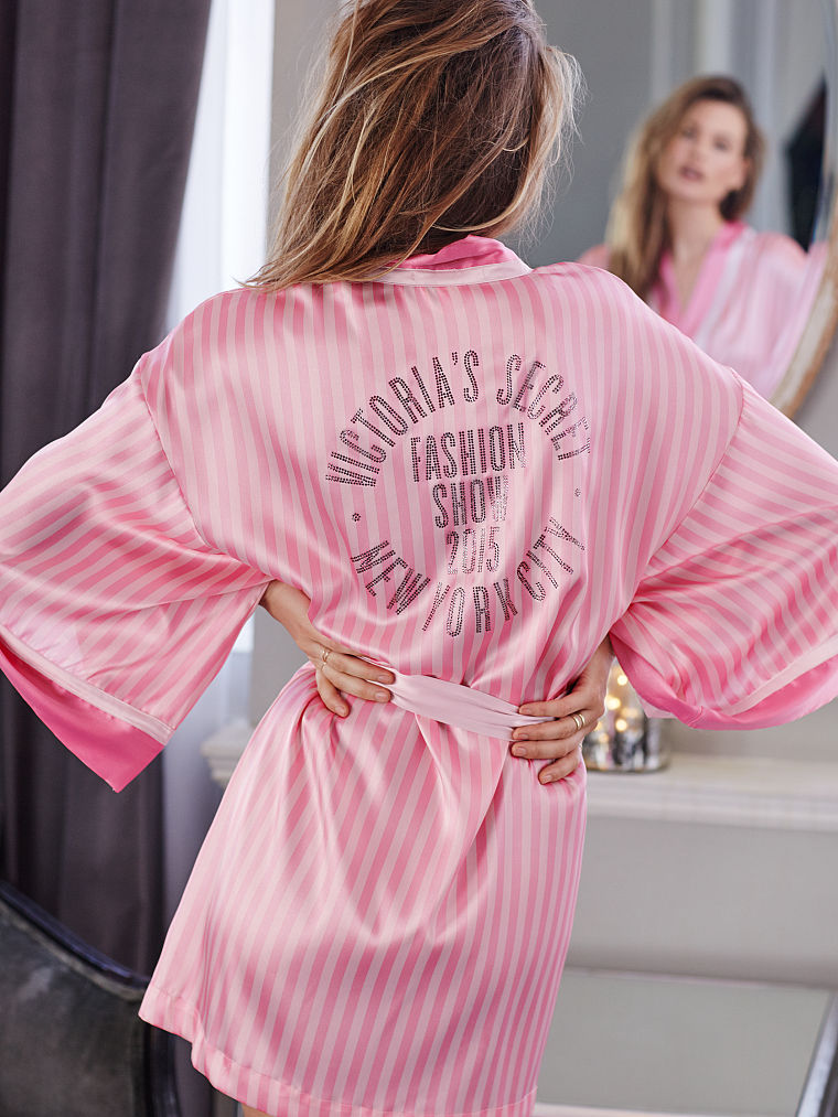 vs fashion show robes