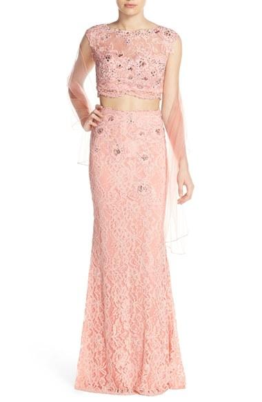 Tara Reid Flashes Underboob In Metallic Floral Gown At