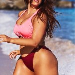 Plus size model,Ashley Graham in String Bikini For Sports Illustrated