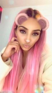 kim kardashian debuts pink hair