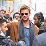 Chris Hemsworth set to star in Men In Black reboot