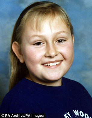 Una de las víctimas, Lucy Lowe, de 16 años, fue asesinada por su abusador en el incendio de una casa.  Ella dio a luz a su hijo cuando solo tenía 14 años
