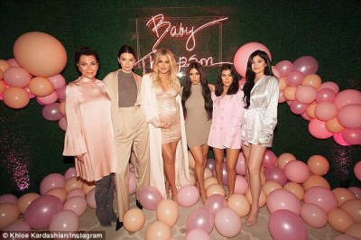 Khloe Kardashian In Lovely Pregnancy Photo