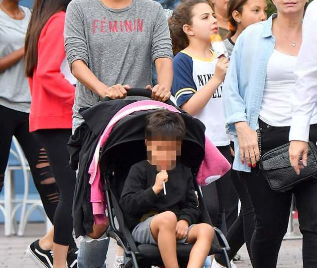 Berry Good Mum Halle Berry 51 Was Every Inch The Doting Mother As