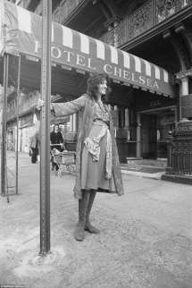 Nyc' Chelsea Hotel Souvenirs Auction Daily