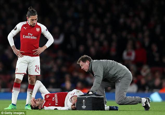 Henrikh Mkhitaryan picked up a knee injury during Arsenal's game against CSKA Moscow