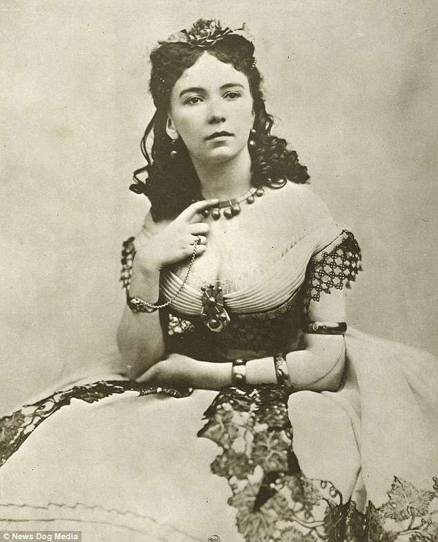 Cora Pearl was from Portsmouth, England, and real name was Emma Crutch