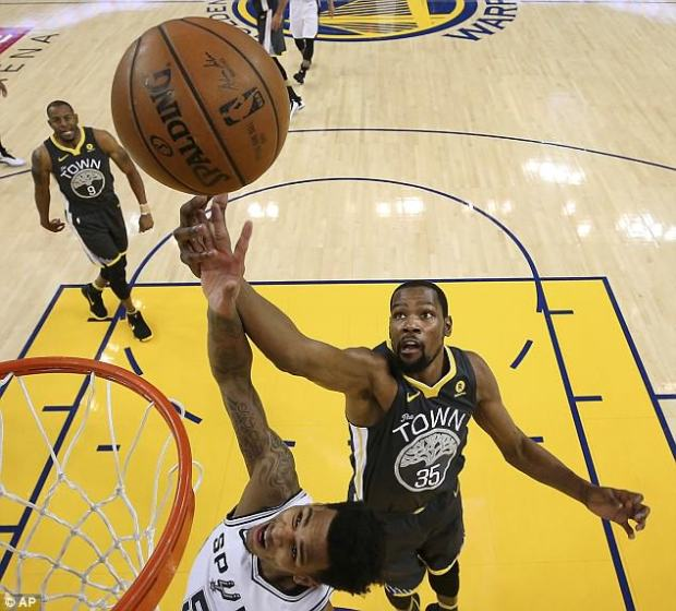 Warriors rallied in the second half to beat the Spurs for a 2-0 lead in their first-round series