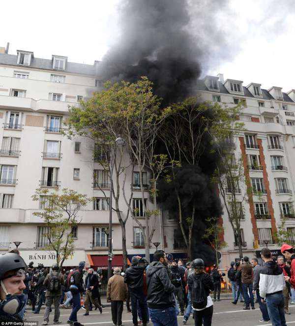 Paris Burns Rioters Attack Buildings And Vehicles