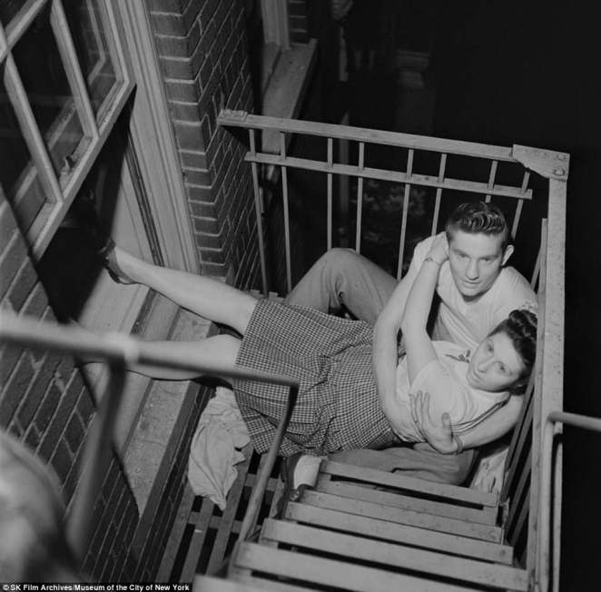 Summer romance in the city: Fire escapes, subway cars, park benches. Kubrick had a keen eye for capturing young love as a photographer before he became a film director