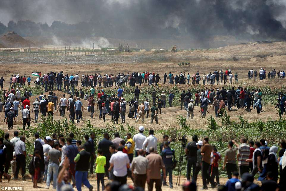 Dozens have been injured - some of them seriously - by Israeli gun fire, according to Gaza's Health Ministry after the army warned that anyone attempting to approach the security fence would be risking their lives