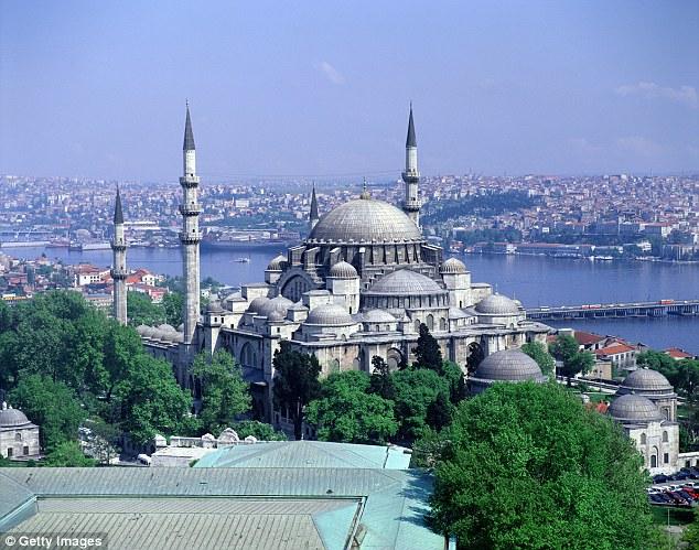 La lira turca se ha desplomado recientemente debido a que los mercados financieros se han asustado de su gran deuda nacional y de las necesidades continuas de endeudamiento.