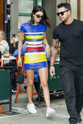 Legs Eleven : Kendall Jenner Colorful Style in New York