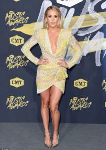 Carrie Underwood CMT Awards 2018