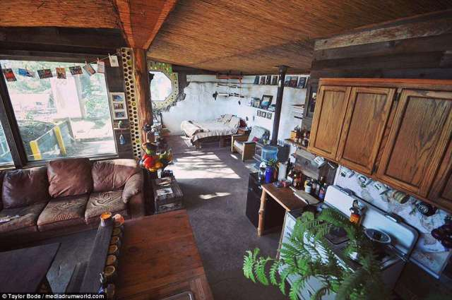 An earthship is a type of passive solar house that is made of both natural and up-cycled materials such as earth-packed tires, pioneered by architect Michael Reynolds