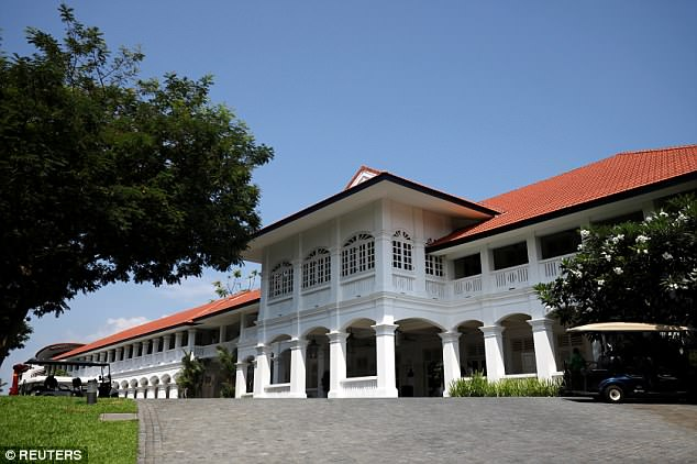 It was restored as a five-star hotel in 2009 by British architect Norman Foster and still retains many of its colonial features