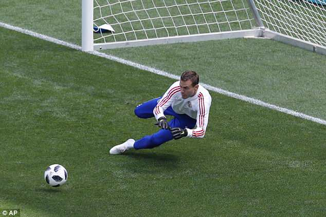 However, the goalkeeper knows he can expect to be very busy during all three matches