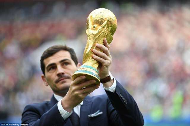Former Spain captain Iker Casillas lifted the World Cup in 2010 and brought the trophy out ahead of the ceremony