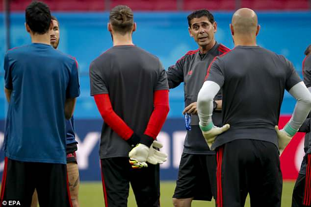 Spain's head coach Fernando Hierro confirmed De Gea (centre) will start against Iran