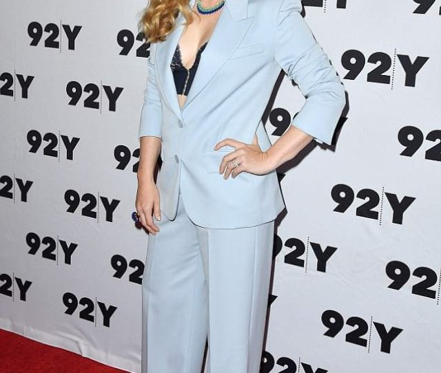 Killer Lookl Amy Adams Rocked A Power Suit And Lacy Bra On Thursday Night At The