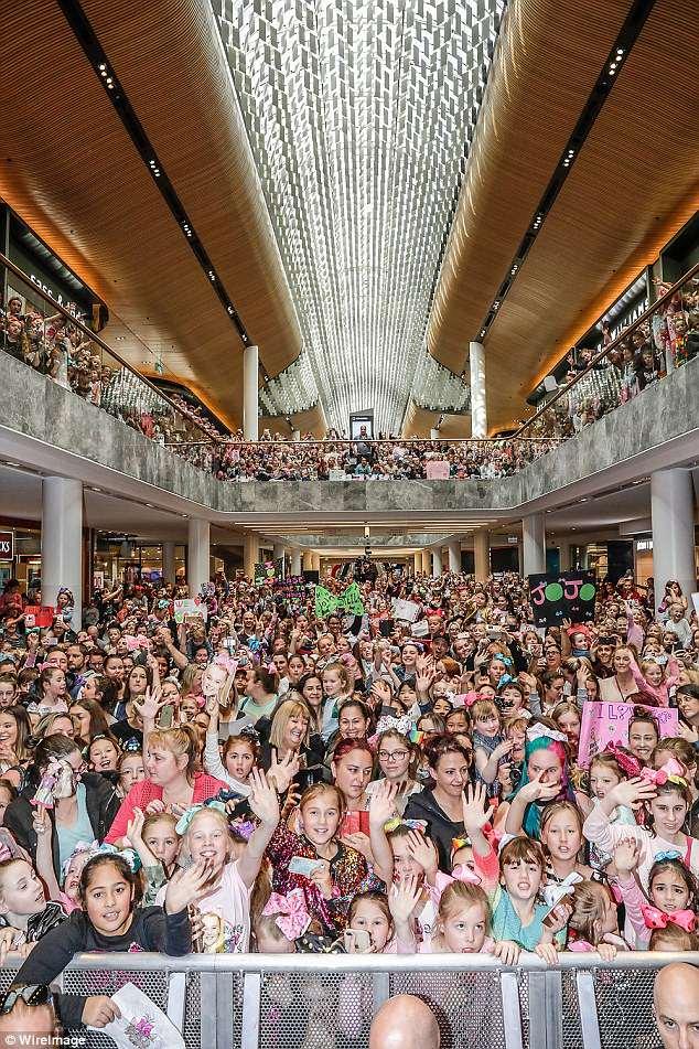 Jojo Siwa Melbourne : melbourne, 15,000, Melbourne, Shopping, Centre, Concert, Express, Digest