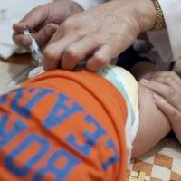 Samoa retira la vacuna contra el sarampión, las paperas y la rubéola después de que dos bebés mueren a los pocos minutos de vacunarse