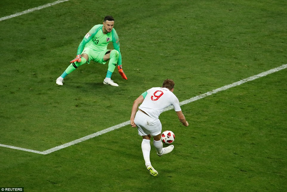 Kane then went on to miss a glaring one-on-one opportunity, hitting his effort too close to Croatia goalkeeper Subasic