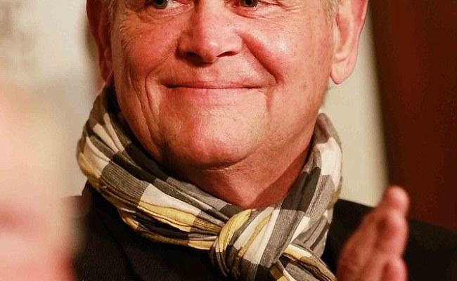 John Farnham Claims He Never Retired Daily Mail Online