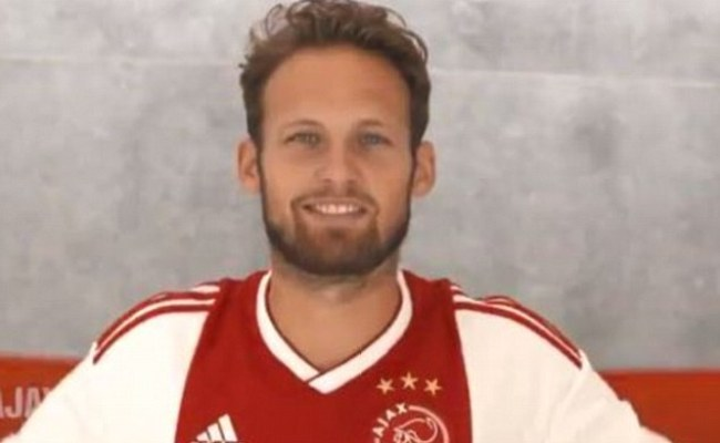 Daley Blind Rejoins Ajax For 18m From Manchester United