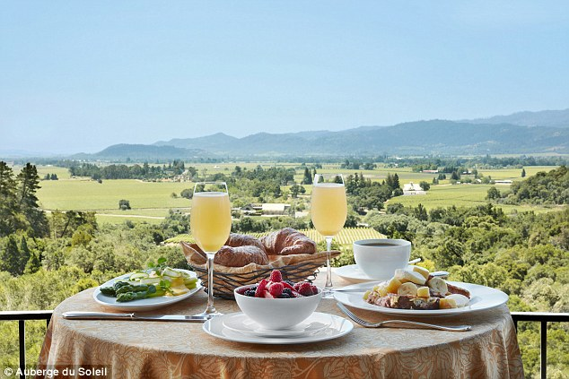 Breathtaking: Start your day outdoors with a complimentary breakfast