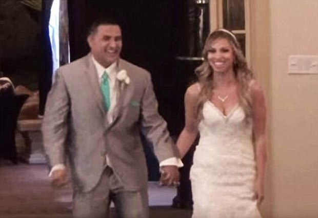 The teacher married Daniel Zamora, who she knew since she was 16, in 2015 (wedding photo)
