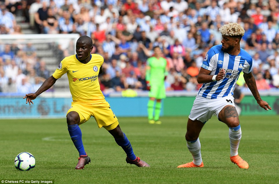 Kante shows composure on the ball and quickly shifts his body to change directions and retain possession for his side