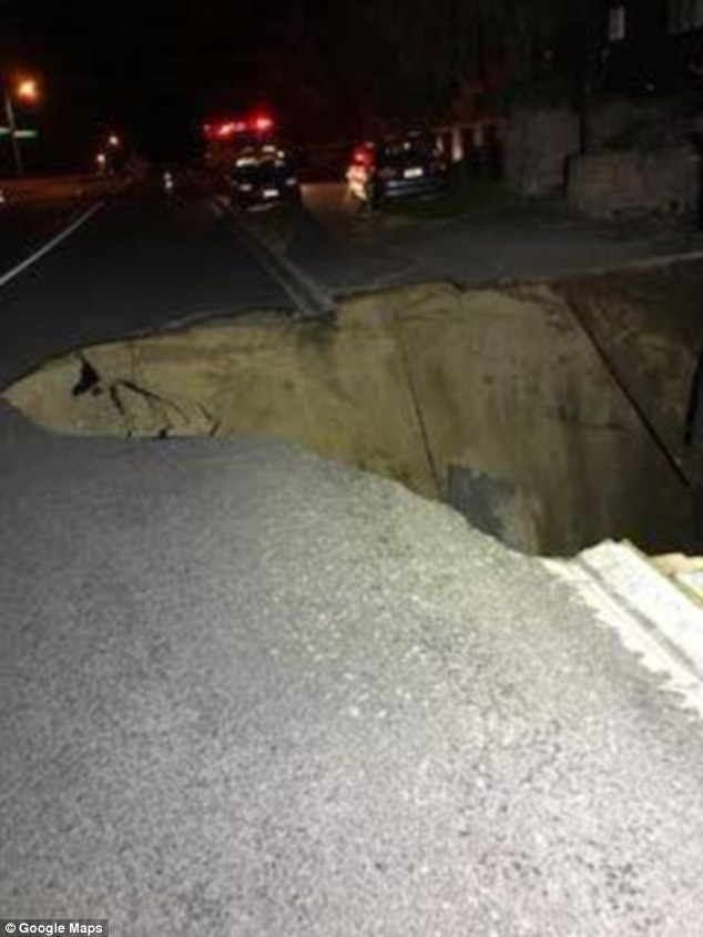 Within 45 minutes the footpath began to collapse, and in no time, one lane of the street completely gave way