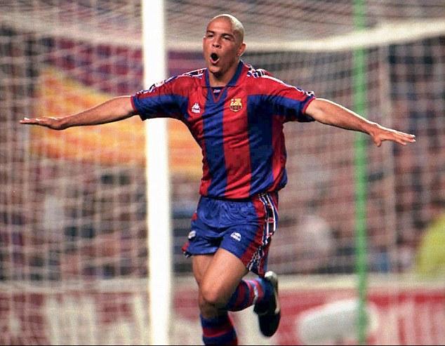 Il a pris sa retraite en 2011 après une brillante carrière à Barcelone, à l'Inter Milan et au Real Madrid.