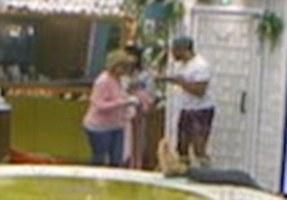 Punch-Reihe: Roxanne Pallett warf Ryan Thomas vor, sie angegriffen zu haben, nachdem er sie spielerisch auf Celebrity Big Brother gestoßen hatte
