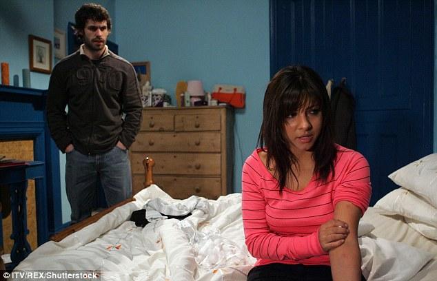 Kein Zurück mehr: Laut The Sun konnte Roxanne, die von 2005 bis 2008 bei der ITV-Soap Emmerdale als Jo Sugden zu sehen war, ihrer Karriere erheblichen Schaden zufügen