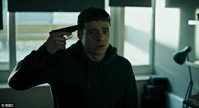 Drama: Die Nachricht von ihrem Tod brachte Richards Charakter PS David Budd in eine Abwärtsspirale, als er gesehen wurde, wie er eine Waffe gegen seinen Kopf setzte und später in der Episode den Abzug drückte