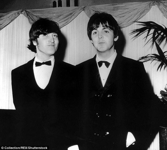 Amis pour toujours: En parlant de l'écriture de nombreux tubes du groupe, qu'il a passés avec John Lennon, il a déclaré: «Nous ne sommes jamais sortis d'une séance d'écriture. Peu importe combien d'heures nous avons passé ensemble à écrire, nous sommes toujours repartis avec des chansons illustrées en 1966)