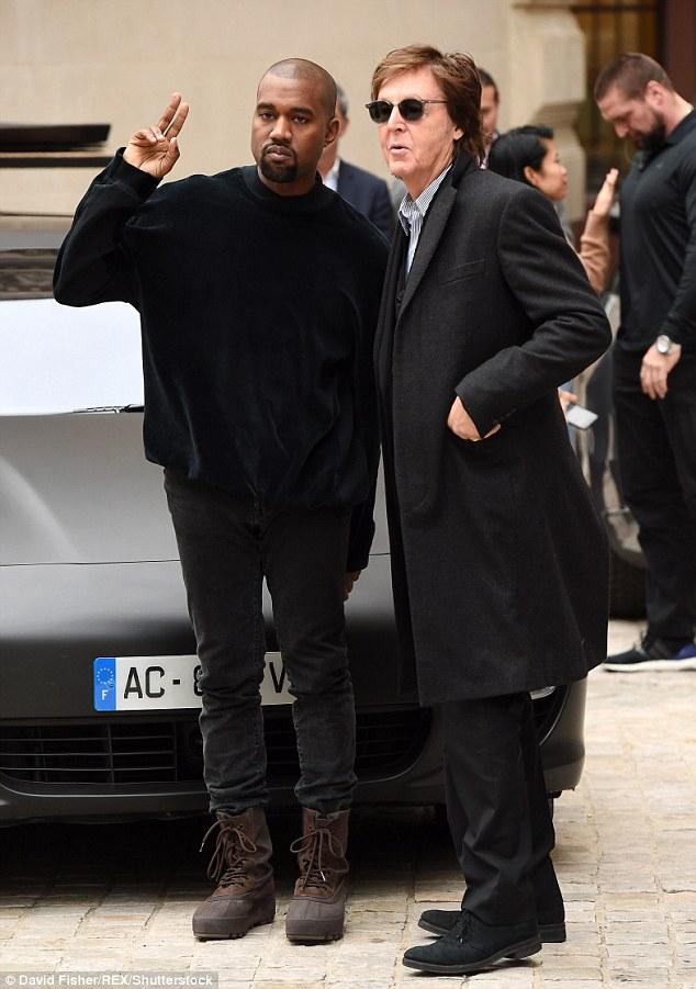 Bond: Paul et Kanye West se sont rencontrés pour la première fois en 2008 lors des prix européens MTV à Liverpool, où ils ont déclaré que leurs deux romans ont échoué