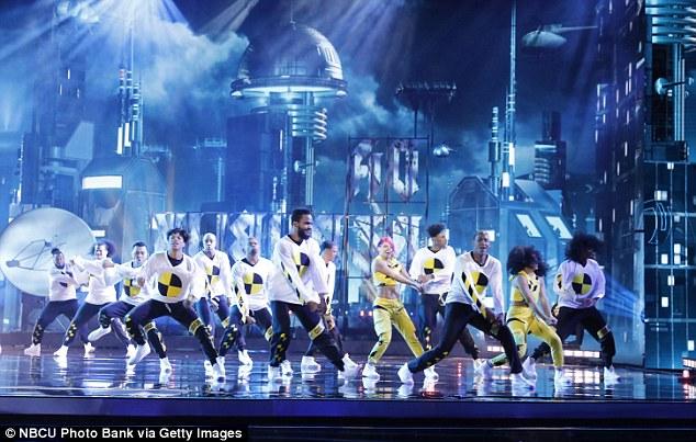 Équipe de danse: le groupe de danse dominicain Da RepubliK s'est fait vibrer par Simon