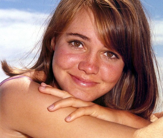 Sally Field Carved Out A Glittering Career As Americas Sweetheart Pictured Here As A Young