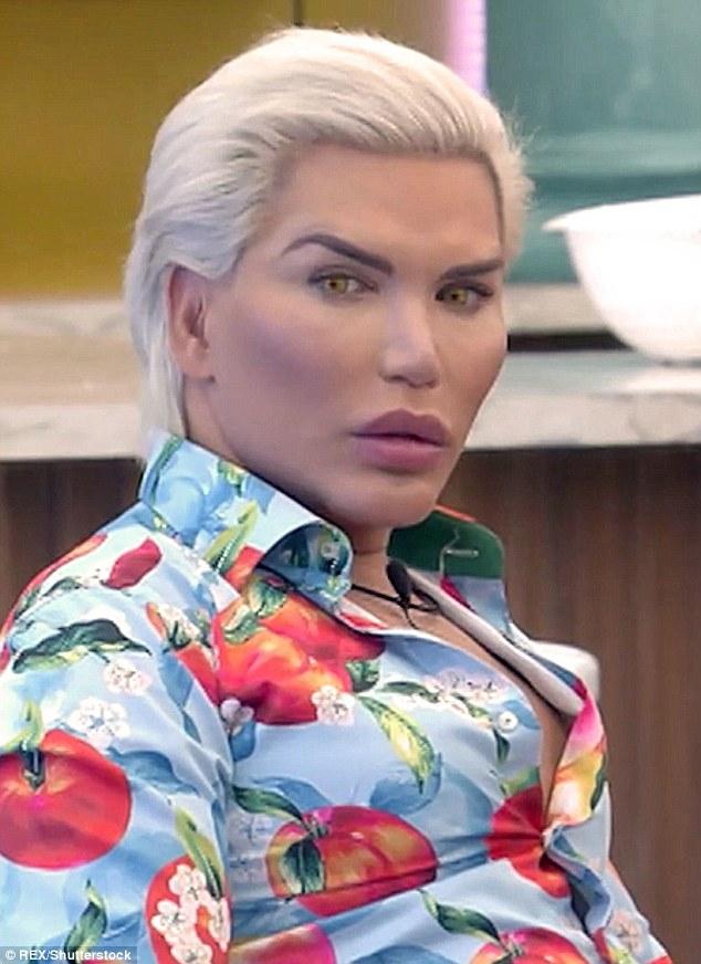 """Mauvais: """"Human Ken Doll"""" Rodrigo Alves a également été retiré par les producteurs dans la série de célébrités la plus récente le mois dernier, après avoir reçu un dernier avertissement pour avoir utilisé le mot n deux fois"""