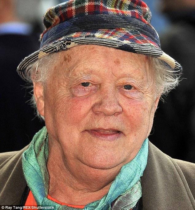 Dudley est devenu connu après avoir joué un motard gay dans The Leather Boys avant de jouer à Tinker de 1986 à 1994