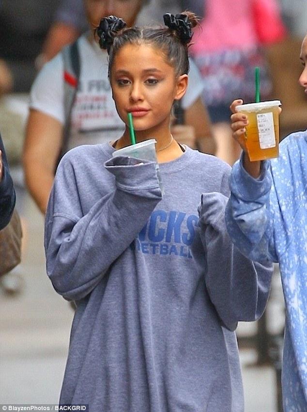 Wer Ariana grande jetzt 2016 datiert Dating-Zeitalter Formel