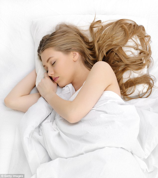 Alors que les hommes sont généralement accusés de faire du bruit la nuit, une nouvelle étude a révélé que les jeunes femmes sont plus susceptibles de ronfler que les jeunes hommes