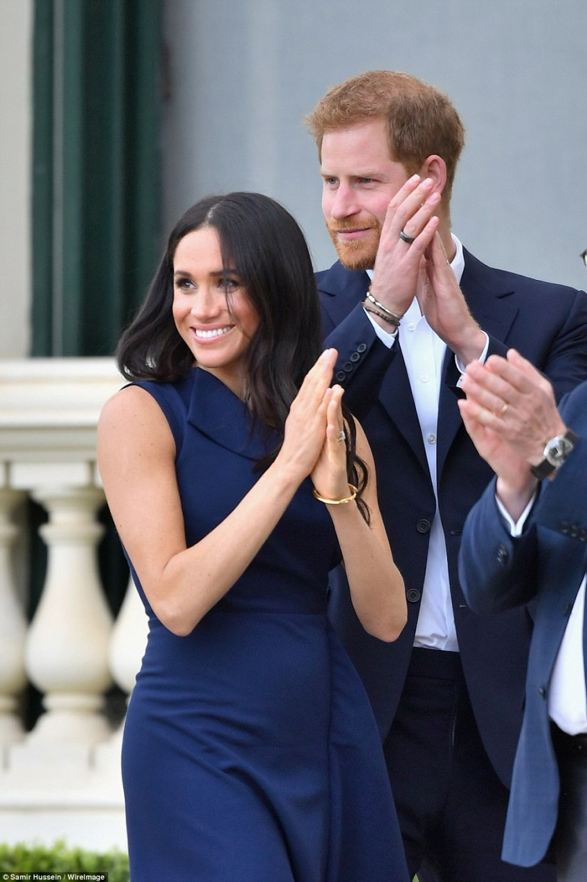 Thousands of royal fans gathered at the Royal Botanic Gardens to take photos and meet the royal couple as they arrived